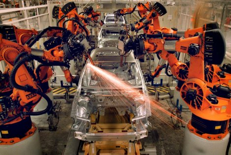 assembly-robot-kills-worker-at-volkswagen-plant-in-germany-485851-2